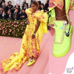 Serena Williams MET 2019 outfit Versace scarpe Off White