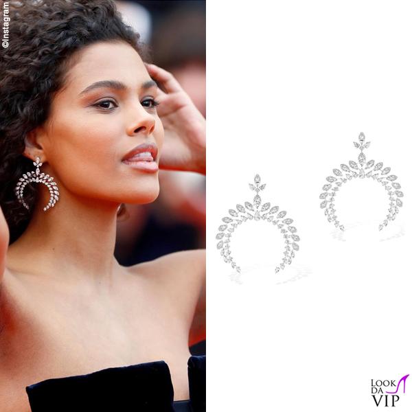 Tina Kunakey Cannes 2019 abito Armani orecchini Messika
