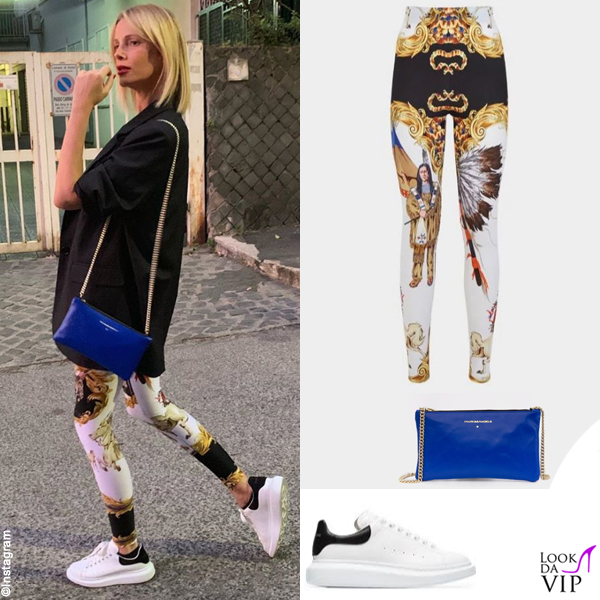 Alessia Marcuzzi leggings Versace borsa Marks and Angels sneakers Alexander McQueen