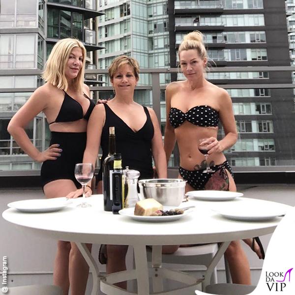 BH90210 Donna Martin Andrea Zuckerman Kelly Taylor bikini costumi