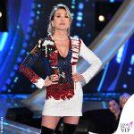 GF terza puntata Barbara d'Urso abito Balmain stivali Casadei 3