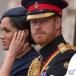 Meghan Markle Trooping the Colour outfit Givenchy cappello Noel Stewart 11