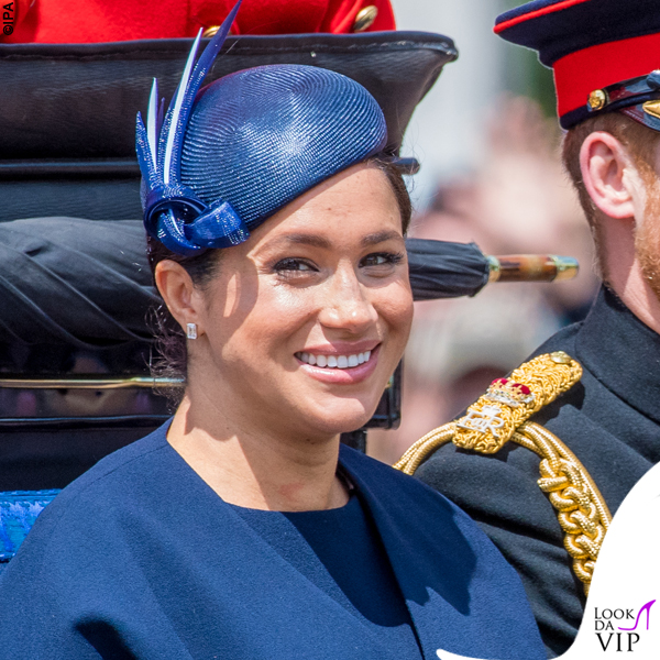 Meghan Markle Trooping the Colour outfit Givenchy cappello Noel Stewart 5