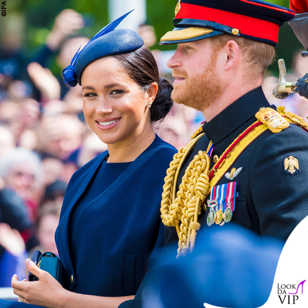 Meghan Markle Trooping the Colour outfit Givenchy cappello Noel Stewart 6