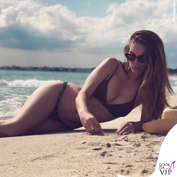 Nina Senicar bikini Effek