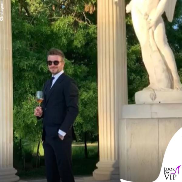 David Beckham anniversario Versailles abito Victoria Beckham 3