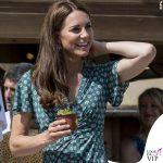 Kate Middleton abito Sandro zeppe Castaner orecchini Accessorize 2
