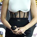 Scarlett Johansson tuta David Koma anello Taffin scarpe Gianvito Rossi 5