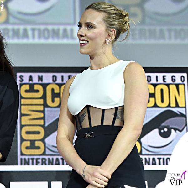 Scarlett Johansson tuta David Koma anello Taffin scarpe Gianvito Rossi 6