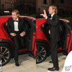 Brad Pitt total look Brioni auto Lexus 1