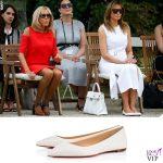 G7 Biarritz Melania Trump abito Calvin Klein borsa Hermes pump Christian Louboutin Brigitte Macron pump Louis Vuitton