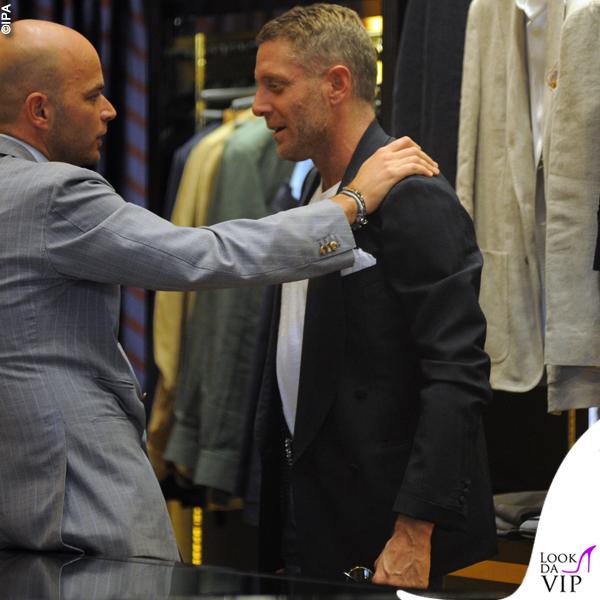 Lapo Elkann shopping da Luca Rubinacci