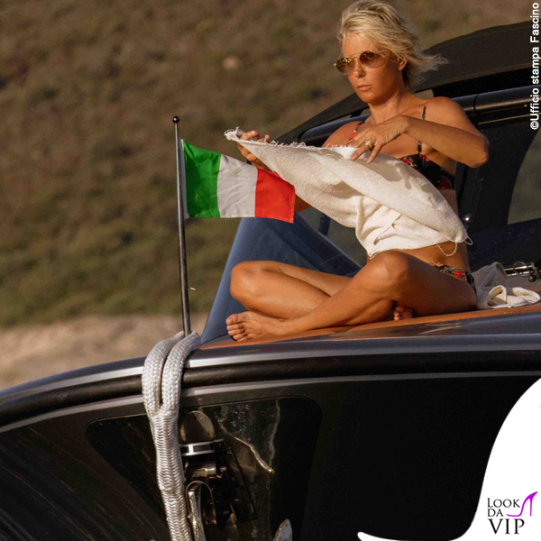 Maria De Filippi bikini Dolce Gabbana 4