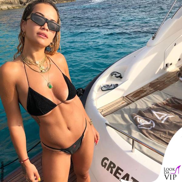 Rita Ora bikini White Fox occhiali Dior