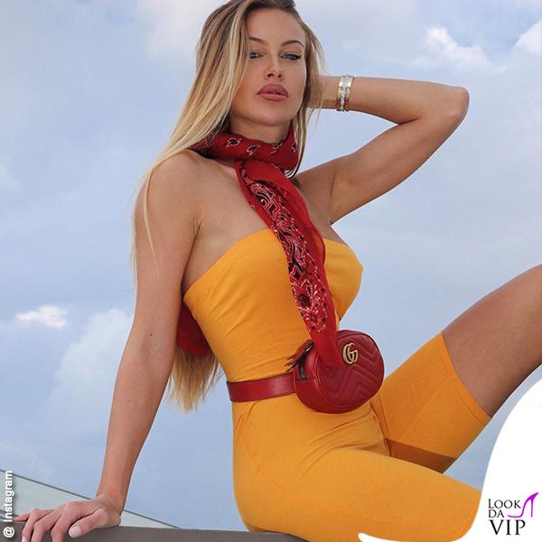 Taylor Mega outfit Fashionnova marsupio Gucci