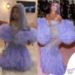 Stormi Webster col il costume di Halloween e Kylie Jenner in Atelier Versace al Met Gala