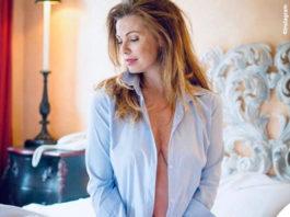 Vanessa Incontrada in topless sotto la camicia azzurra