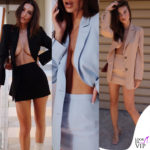 Emily Ratajkowski col tailleur Inamorata sfoggia il topless