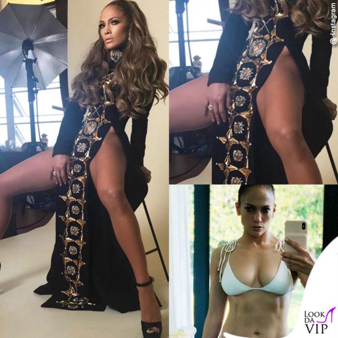 Jennifer Lopez è sensuale nell'abito con spacchi di Fausto Puglisi