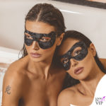 Cristina Buccino e Maria Teresa Buccino con la maschera black velvet diMCD Beauty Life
