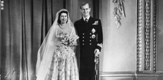 Regina Elisabetta in abito da sposa Sir Norman Hartnell con il Principe Filippo nel giorno del loro matrimonio