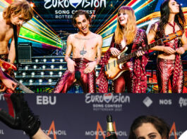 Maneskin Eurovision outfit Etro Damiano in mutande