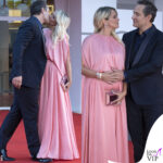francesca barra incinta in rosa e claudio santamaria a venezia 78